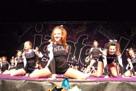 Emma Elliott competing at Jamfest Nationals with her team.