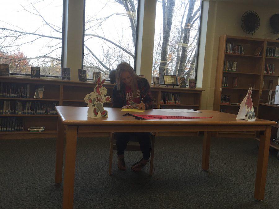 Fall Signing: Karynn Carroll to Run for UCM